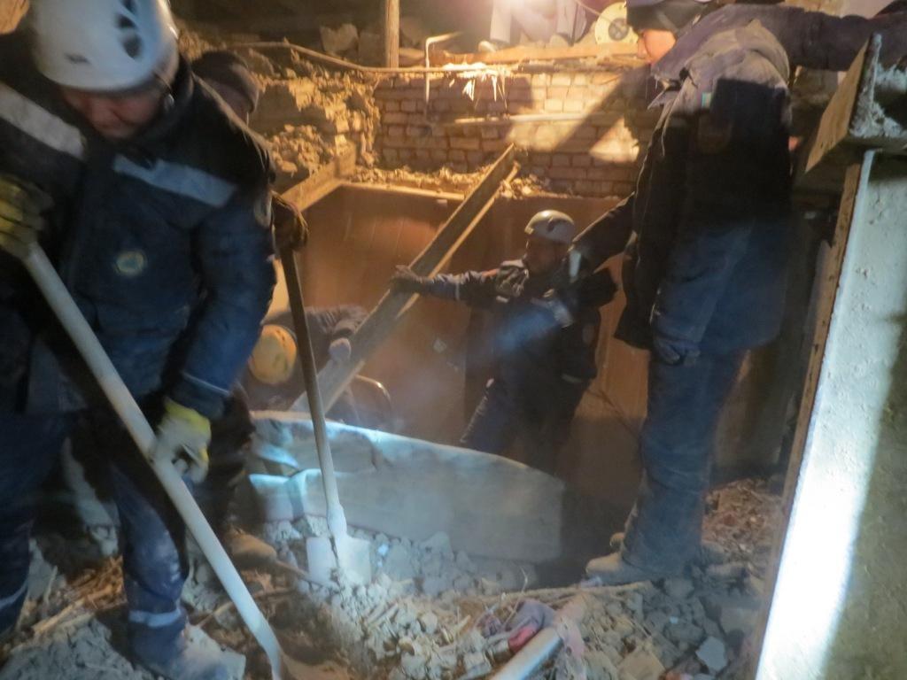 Спасатели разобрали завалы рухнувшего барака