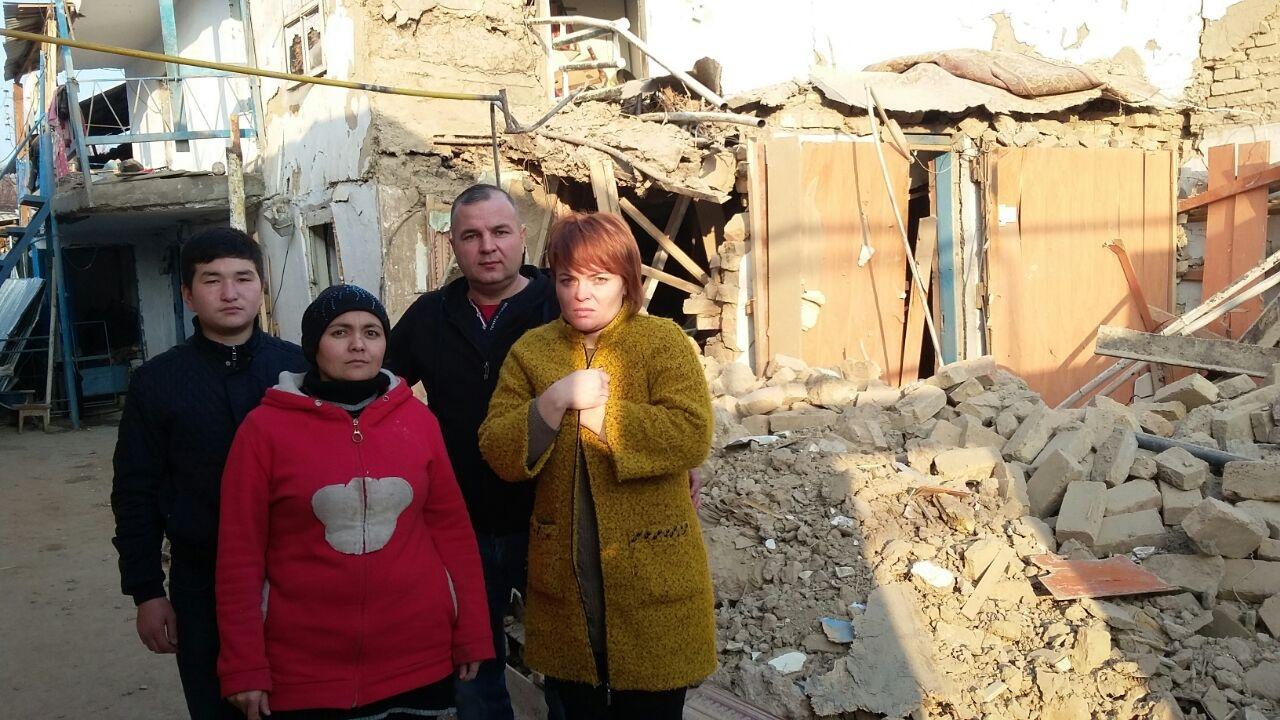 Руслан и соседи помогли разобрать завалы