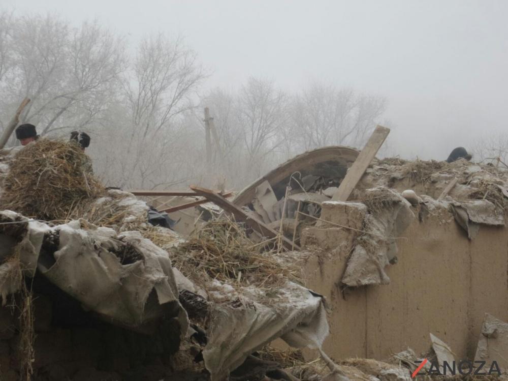 Самолёт упал на жилые дома в Чуйской области Кыргызстана