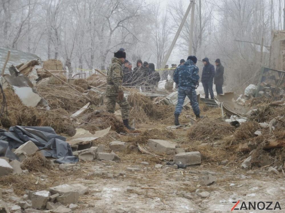 Разрушенные после авиакатастрофы дома в Дача-Суу