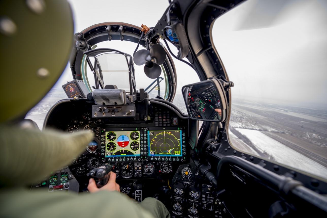 Цифровая приборная панель командира экипажа