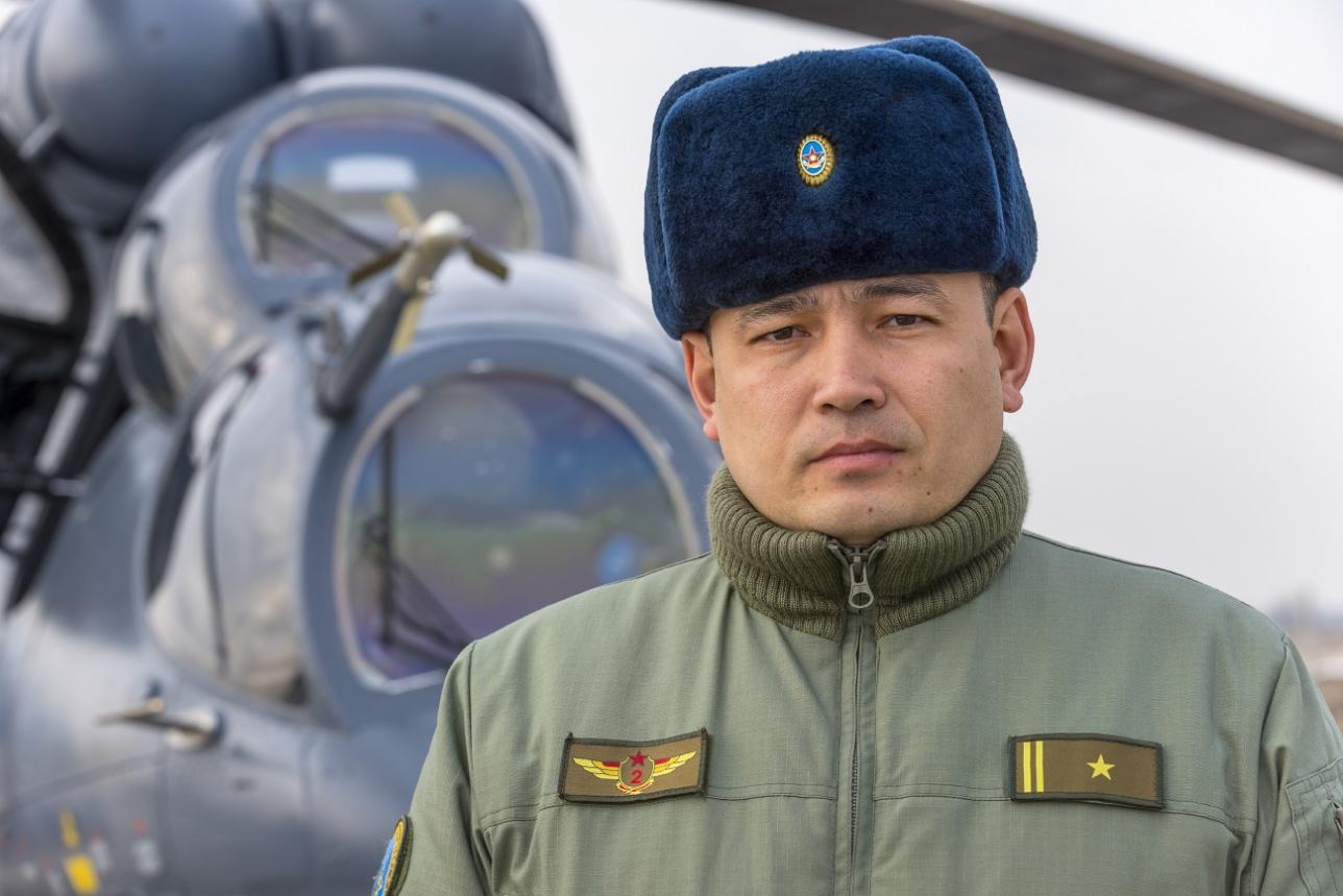 Начальник штаба авиационной эскадрильи в/ч 55652 майор Казбек Рабаев
