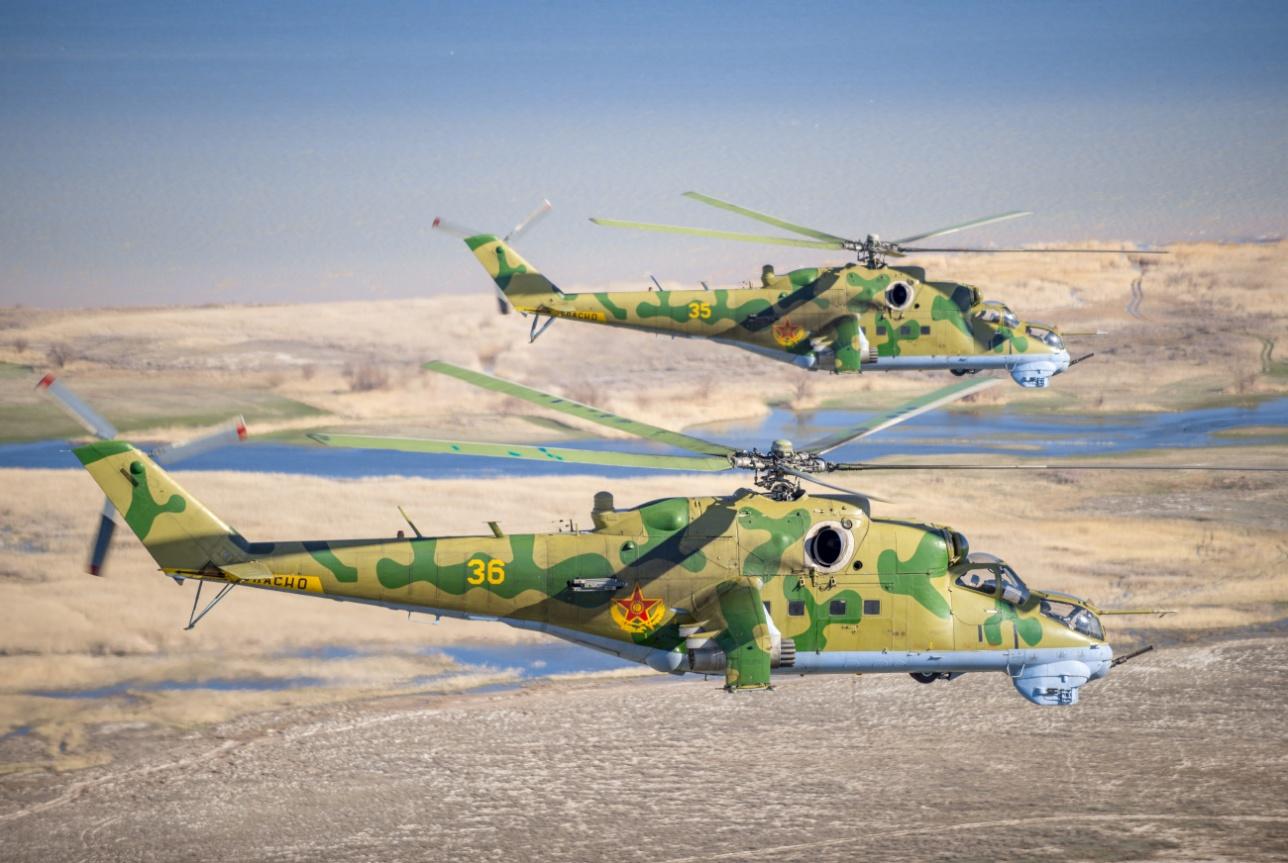 Ми-24B ВВС СВО РК на учениях в Алматинской области (19 апреля 2014 г.)