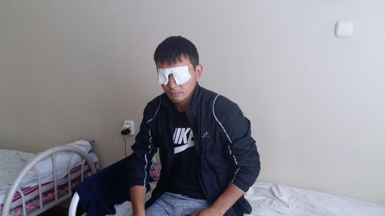 Бекзат Сулейменов во время лечения в больнице