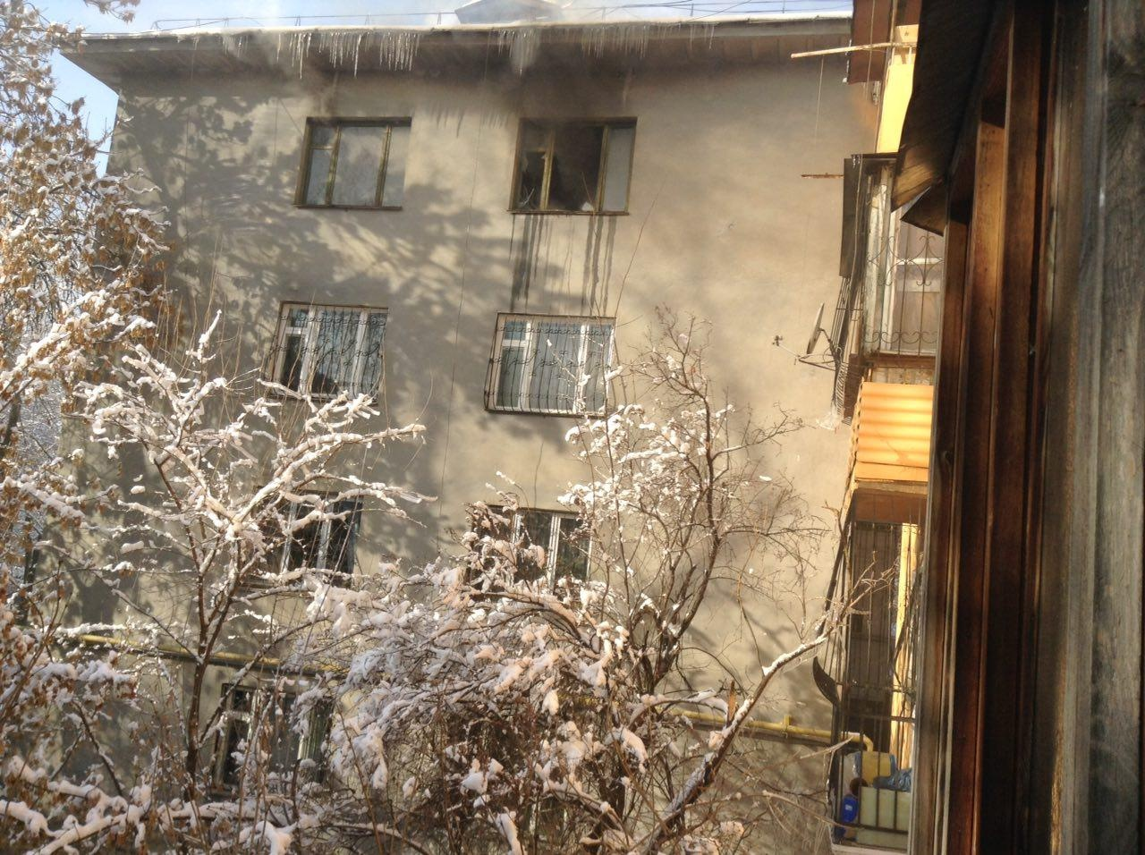 Пожар потушили, но хозяин квартиры погиб