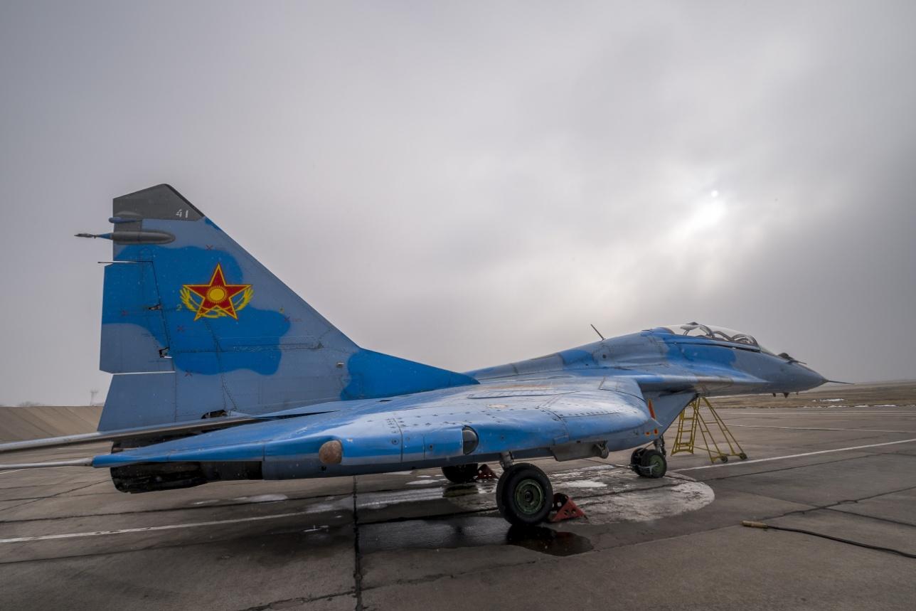 Истребитель МиГ-29 на авиабазе в Шымкенте