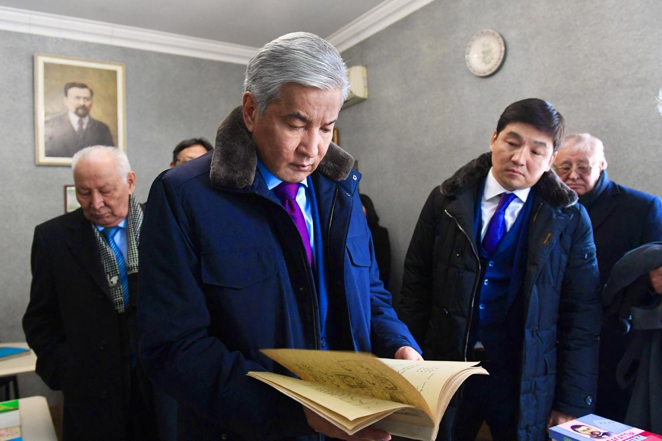 Имангали Тасмагамбетов посетил дом-музей Ахмета Байтурсынова