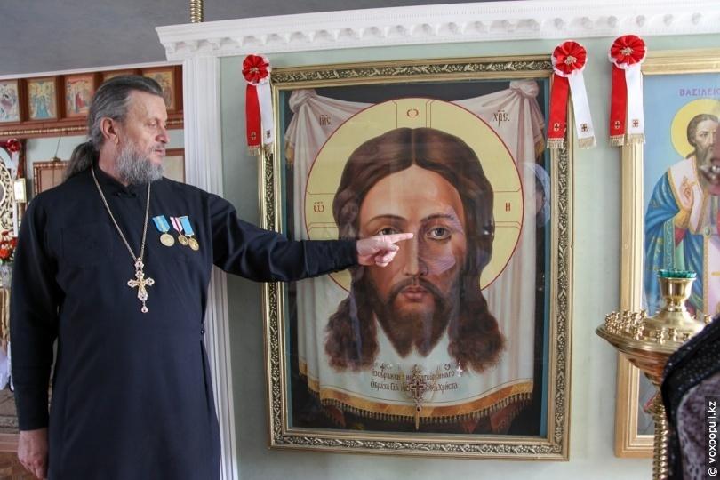 """Икона """"Спас Нерукотворный"""" мироточила дважды"""