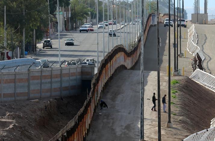 Строительство стены на границе США и Мексики уже началось