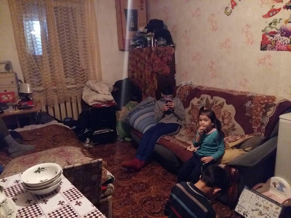 Съёмная комната на окраине Астаны обходится отцу-одиночке в 15 тысяч тенге