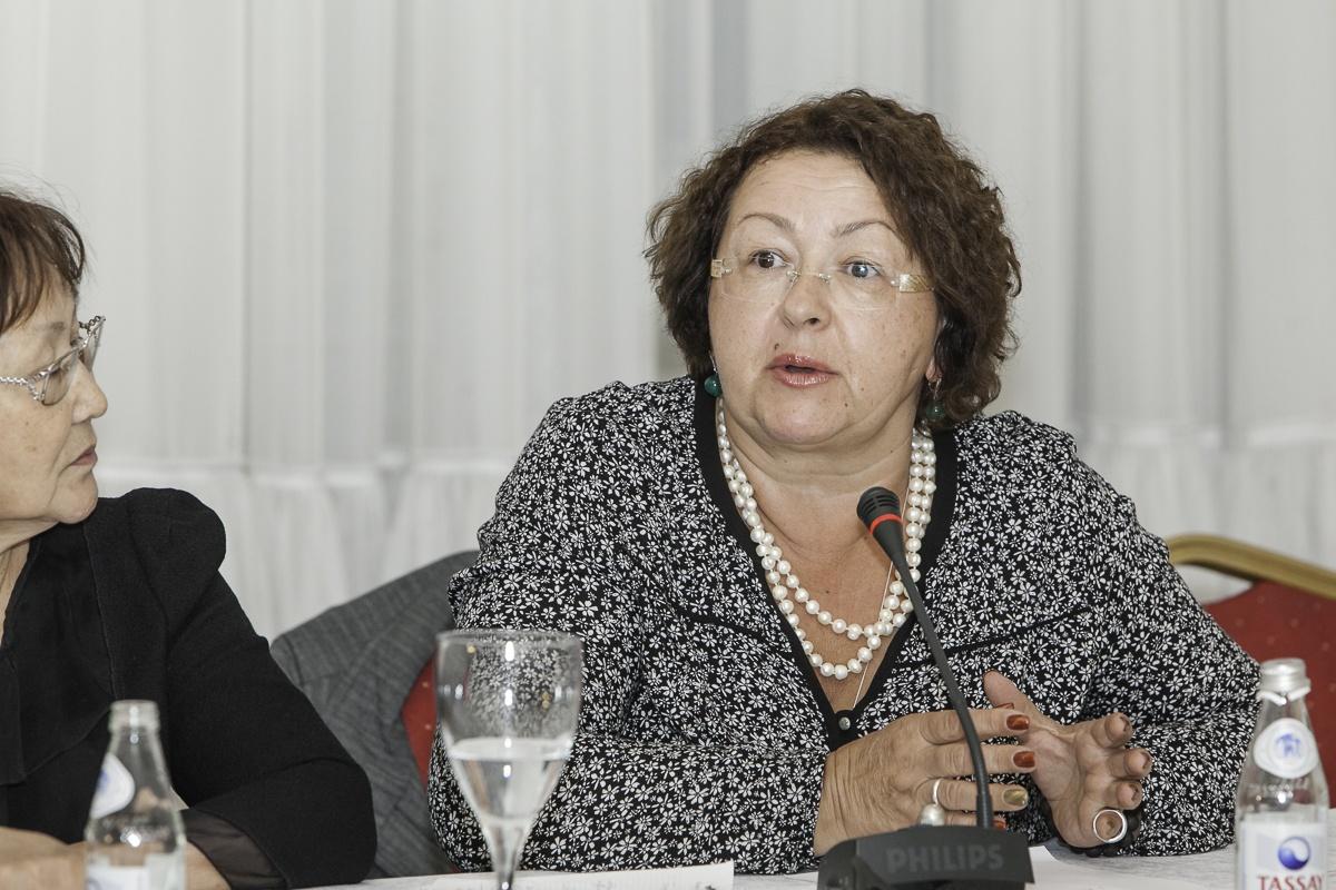 Ирина Смирнова вступилась за педагогов