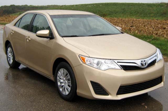 Выпущенным в период с 8 марта 2011 года по 1 августа 2014 года седанам Toyota Camry должны были проверить пыльник шаровой опоры
