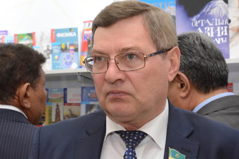 По мнению депутат Анатолия Пепенина, моральную ответственность за самоубийство столичных школьниц несёт педагог девочек