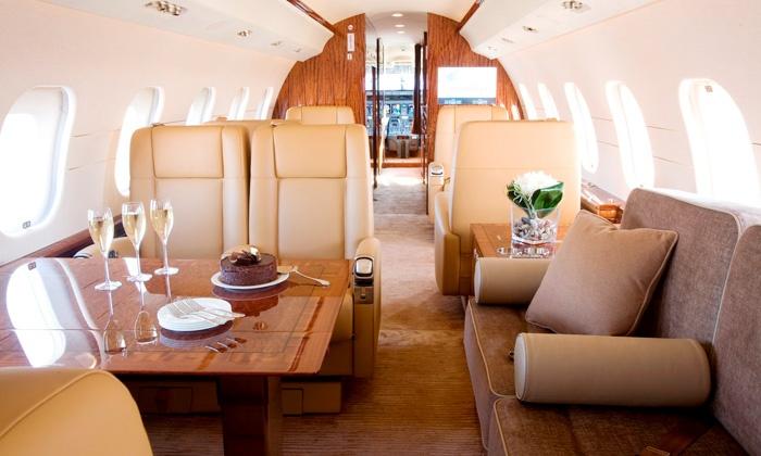 Компания является крупнейшим в мире эксплуатантом VIP-самолётов