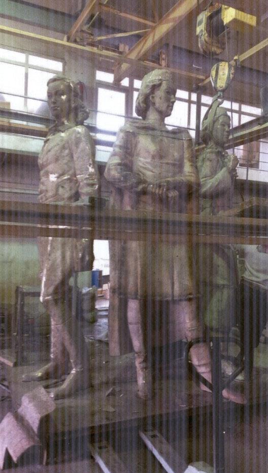Скульптурная композиция хранится на заводе в Астане
