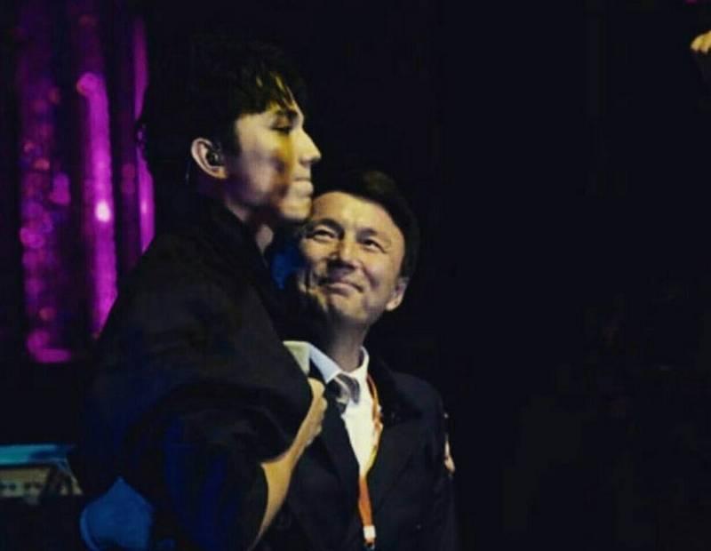 Димаш Кудайбергенов с отцом