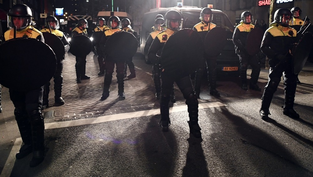 Полиция Роттердама заблокировала улицу возле турецкого диппредставительства