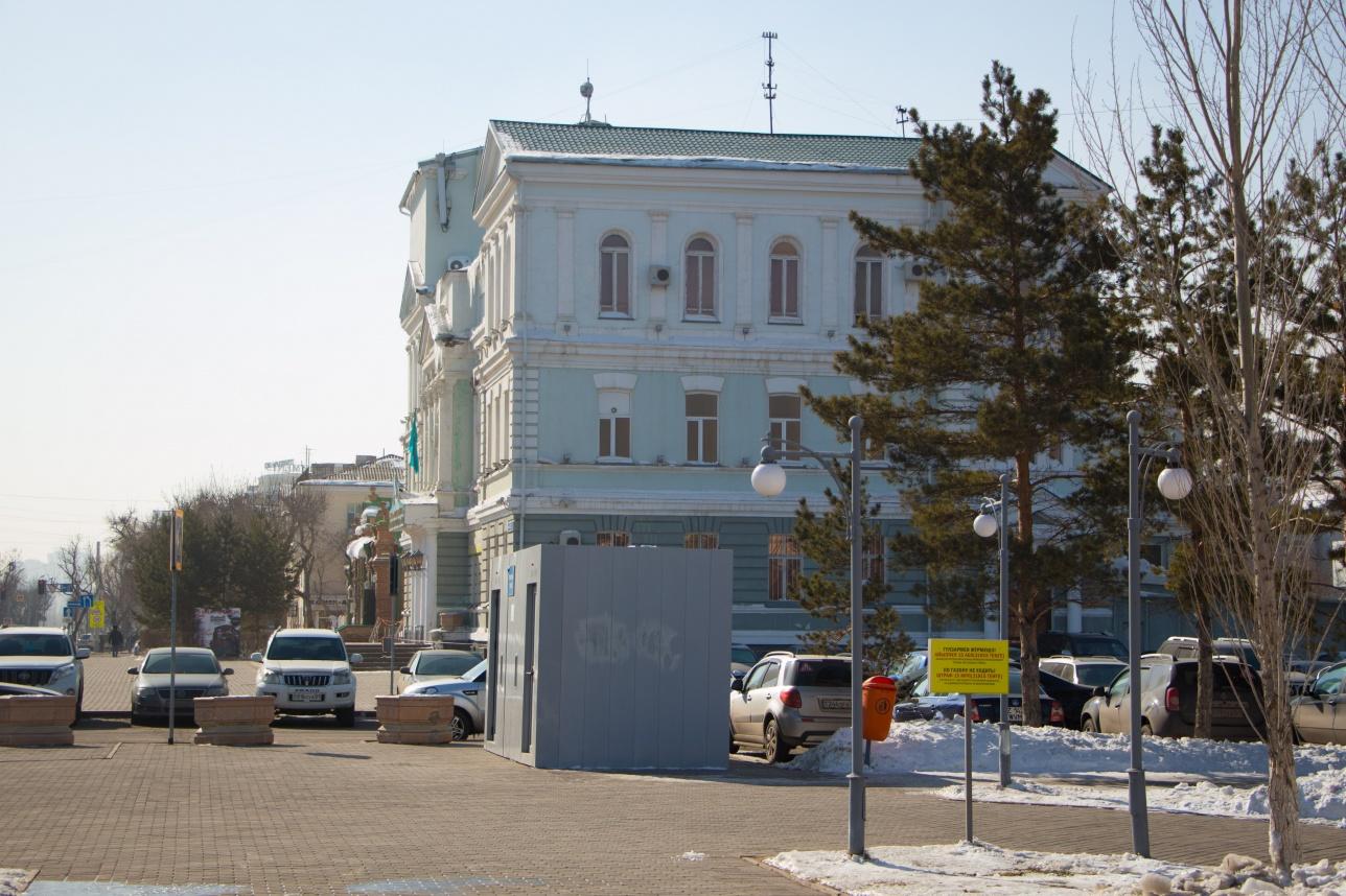 Туалет у русского драмтеатра имени Горького
