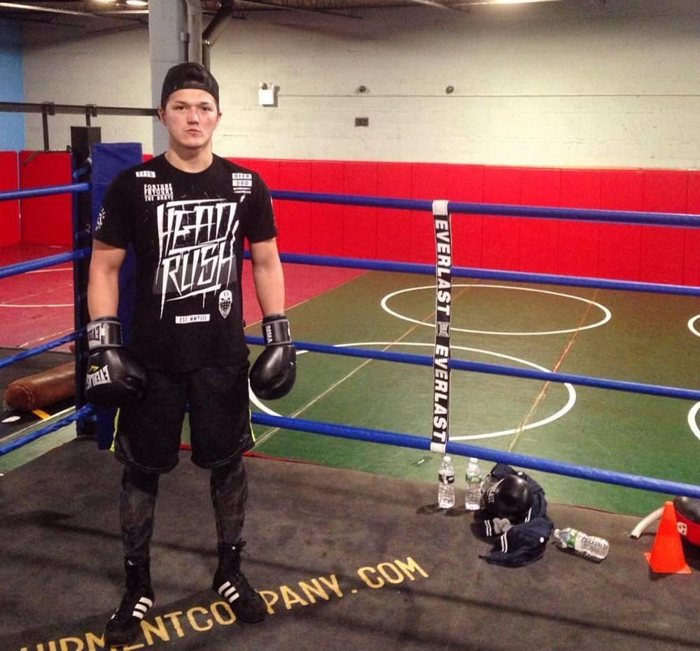 Димаш Ниязов договаривается о бое в Казахстане и мечтает открыть здесь бойцовский клуб