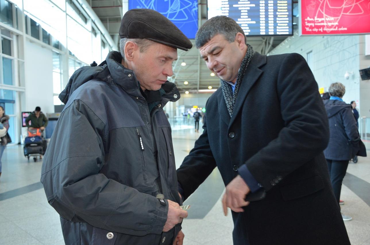 Деньги для Юрия, а также на билет до Новосибирска собирали все друзья Расула
