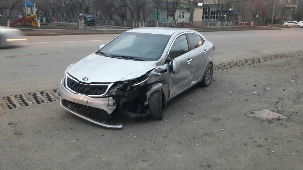 Пользователи выложили в сеть фото пострадавшей машины