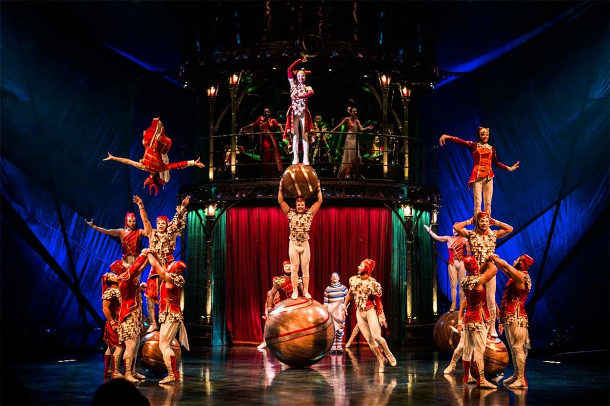 Представление цирка Дю солей