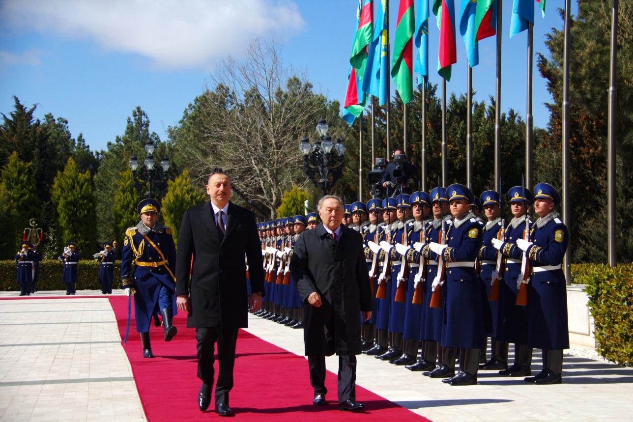 Президент Азербайджана принял Нурсултана Назарбаева в своей резиденции