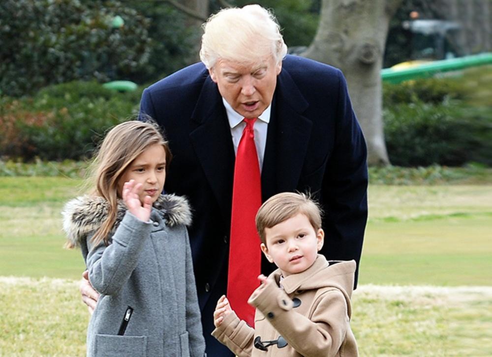 Дональд Трамп с внуками Арабеллой и Джозефом