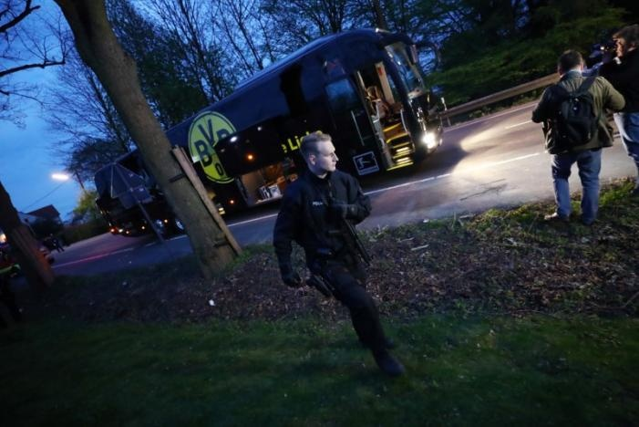 """Взрывы произошли возле автобуса """"Боруссии"""""""