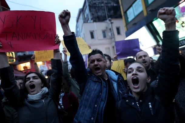 Протесты в Стамбуле начались после оглашения итогов референдума