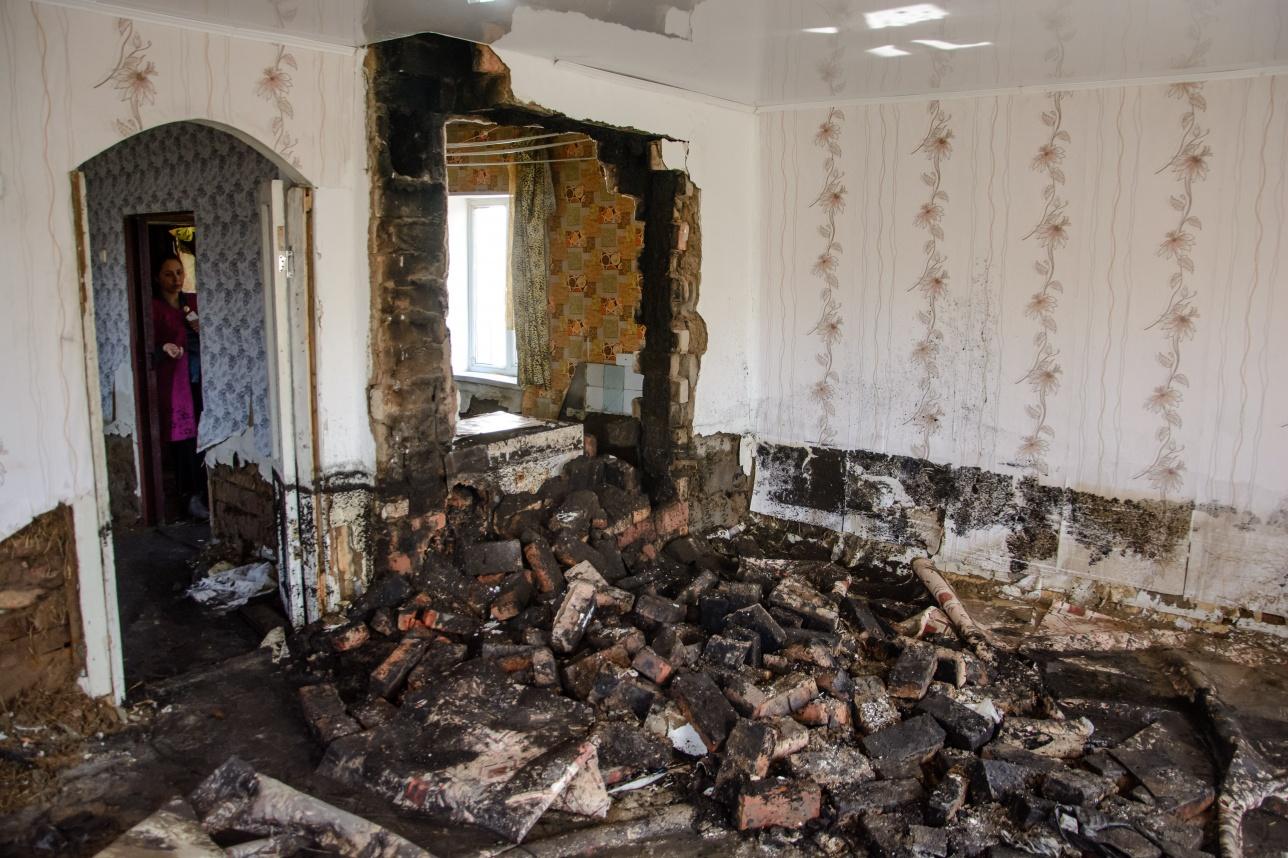 В доме Куандыка рухнула стена