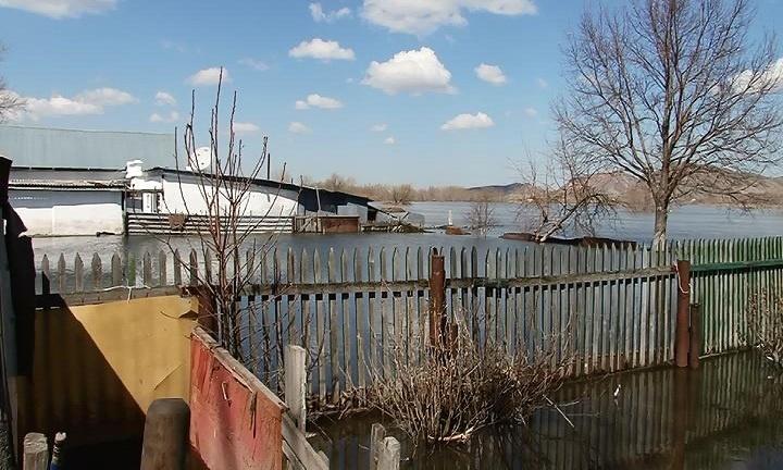 Затопленными остаются 10 домов
