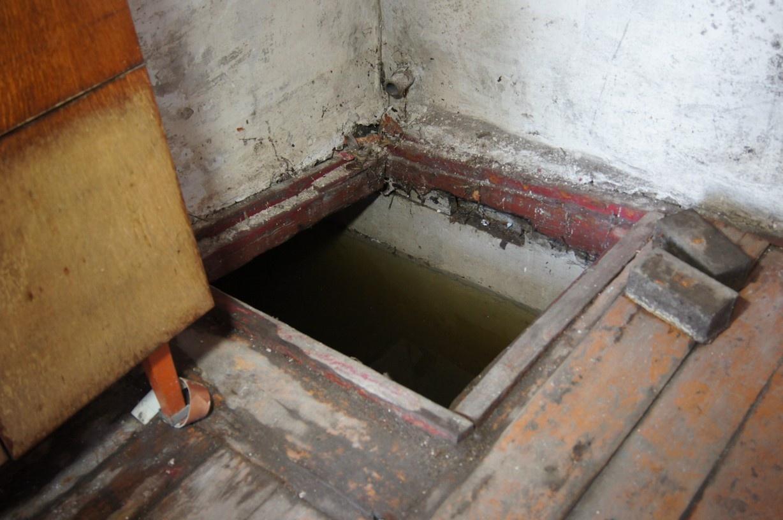 Погреба полны воды