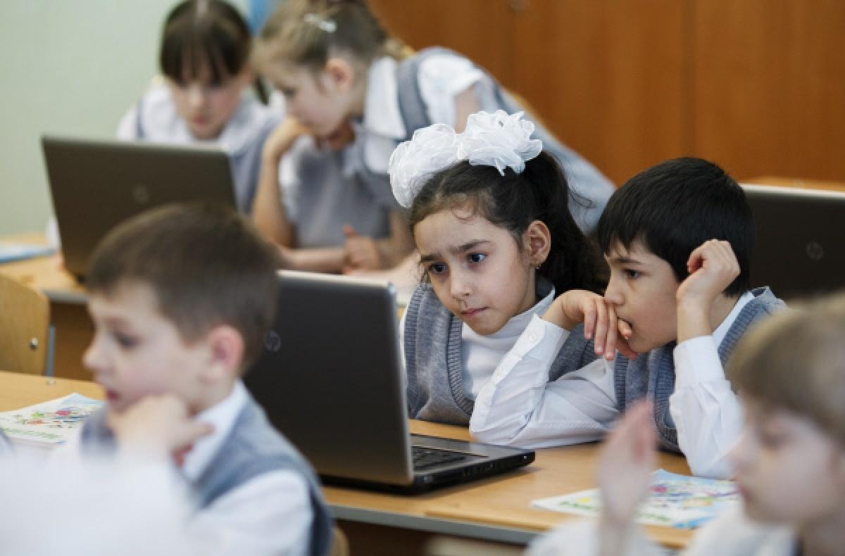 Школьники Казахстана