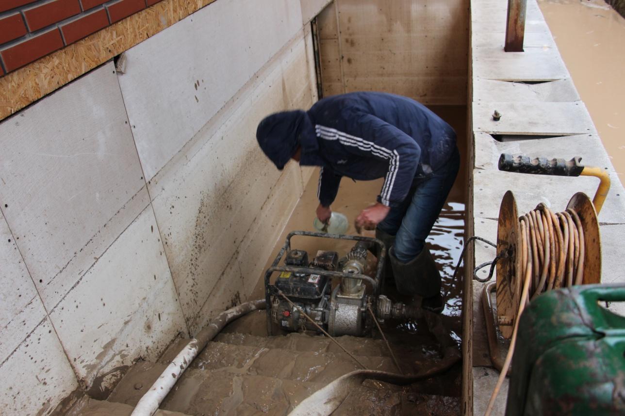 Откачка воды из подвалов