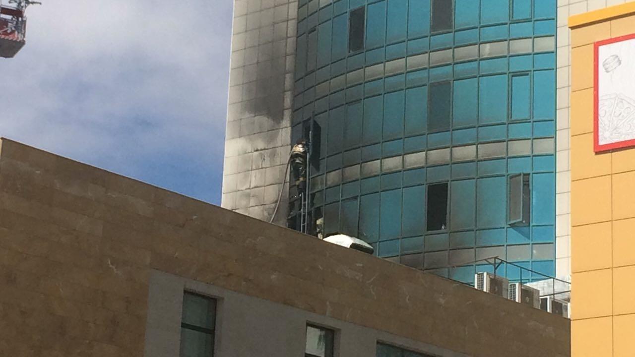 По словам очевидцев, пожар начался резко