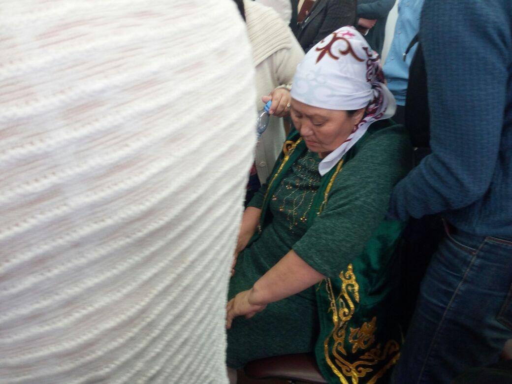 56-летней Дине Досаковой после оглашения приговора стало плохо