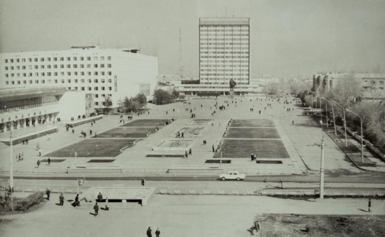 Площадь Целинограда