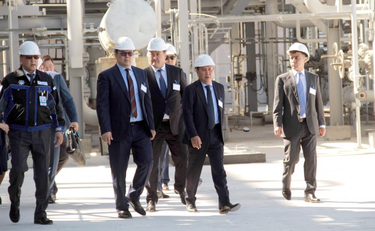 Канат Бозумбаев посетил завод в Павлодаре