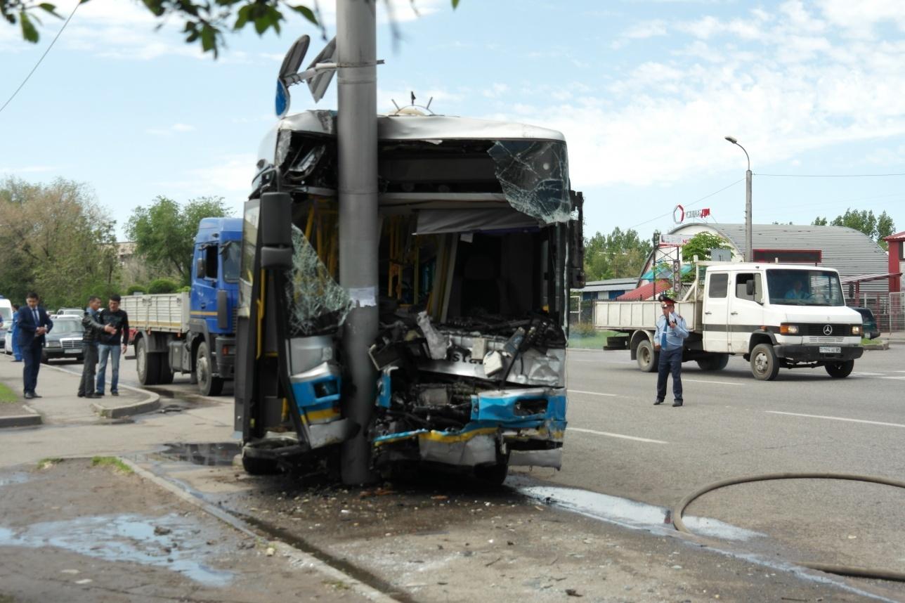 Пассажиры автобуса пострадали, они в больнице