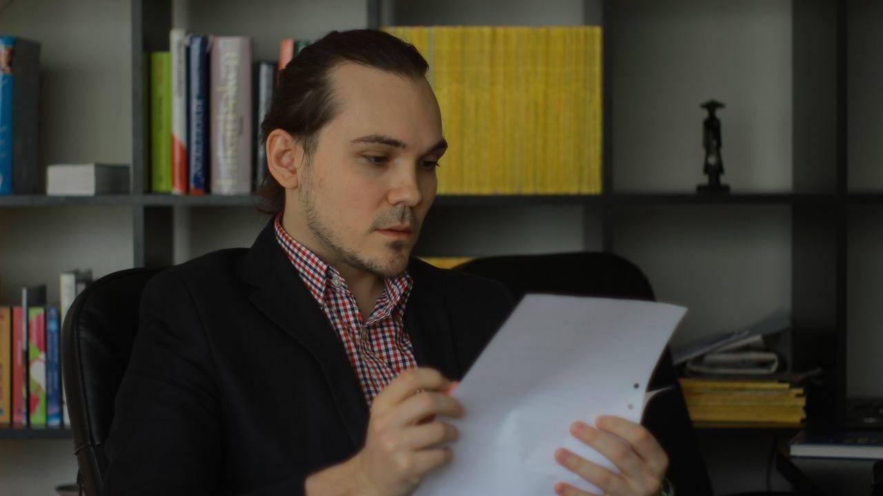 Олег в Швеции ведёт деятельность по защите прав ЛГБТ