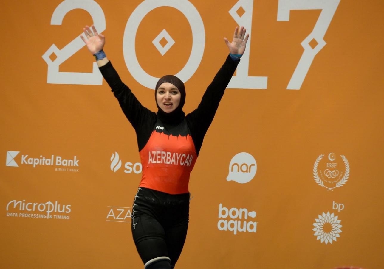 Анастасия Швабауэр надела хиджаб и стала Анастасией Ибрагимли