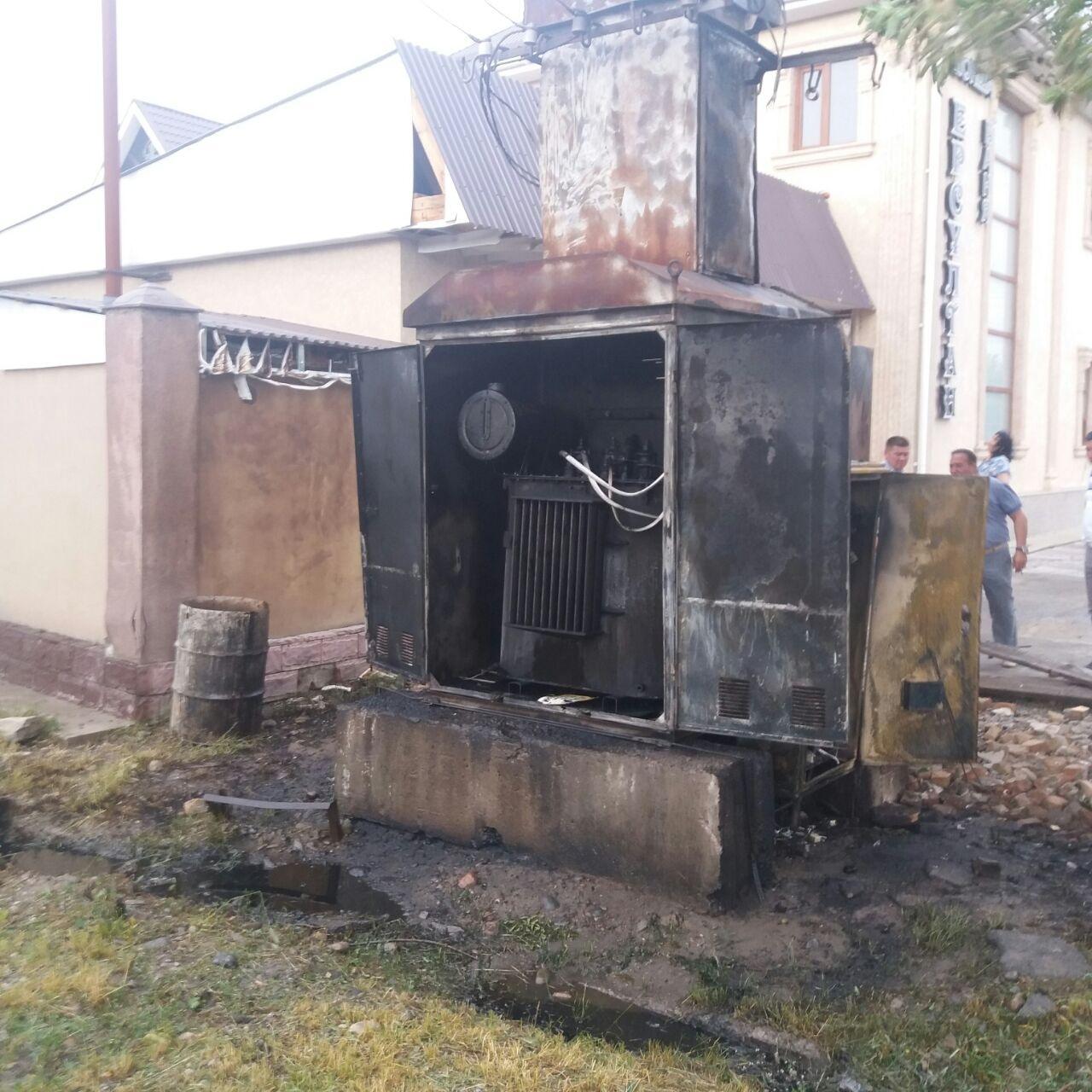 Подстанция в Таразе загорелась во время сильного ветра