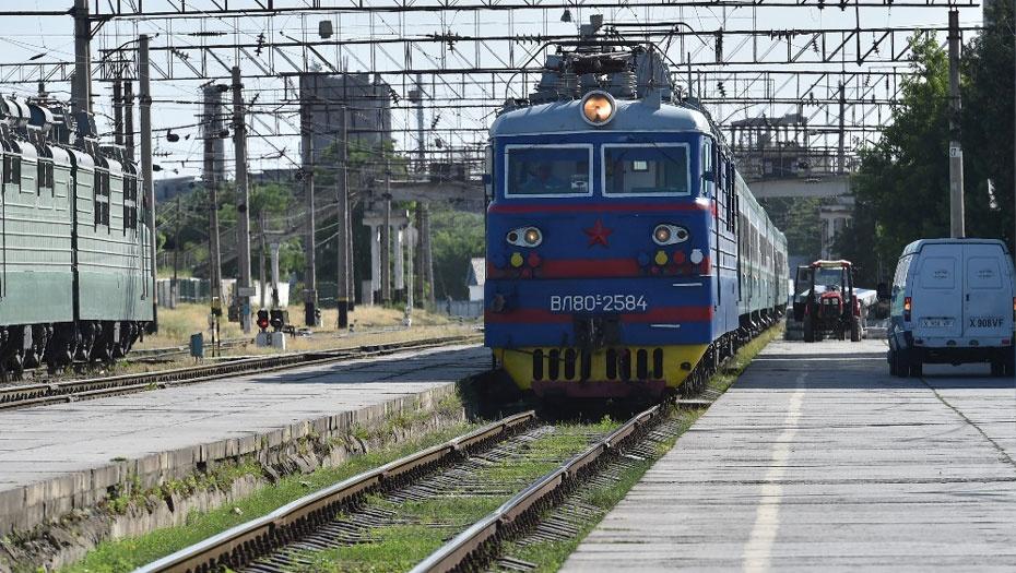"""Новый поезд Самарканд - Астана """"Нұрлы жол"""" прибыл на вокзал Шымкента"""