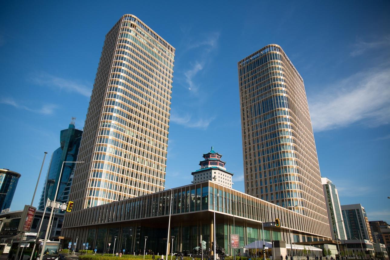 Многофункциональный комплекс Talan Towers, в одной из башен которого расположился отель The Ritz-Carlton Astana