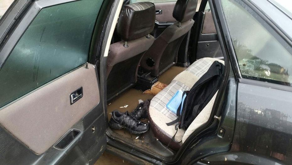 Вода заходила в салоны автомобилей
