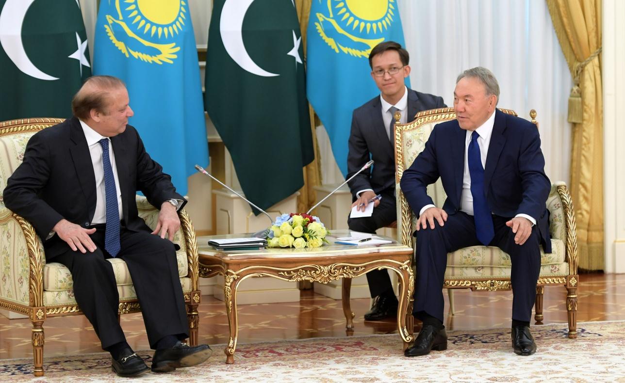 Назарбаев и Наваз Шариф