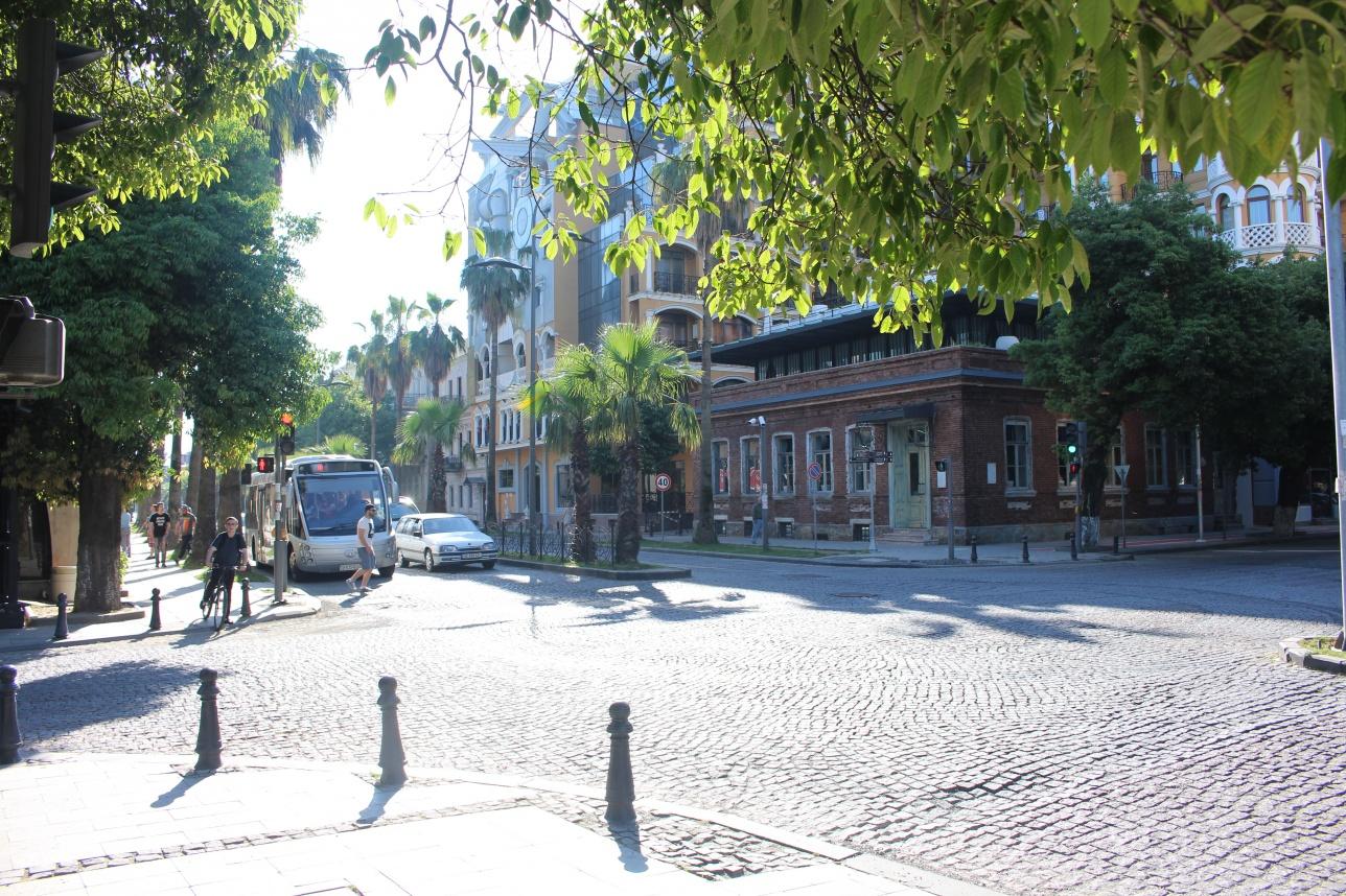 Улица Батуми