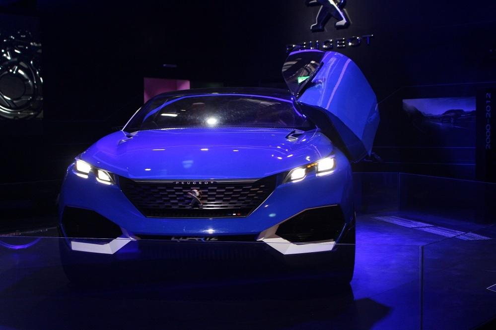Гибридный автомобиль, представленный Францией
