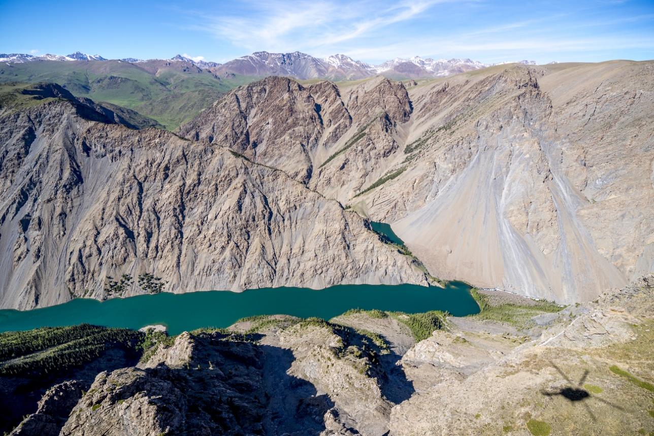 Озера Казанколь и Малый Казанколь разделены между Казахстаном и Китаем